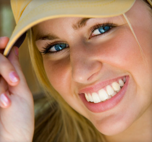 General dentistry treatments such as oral cancer screenings are available near Pearland.